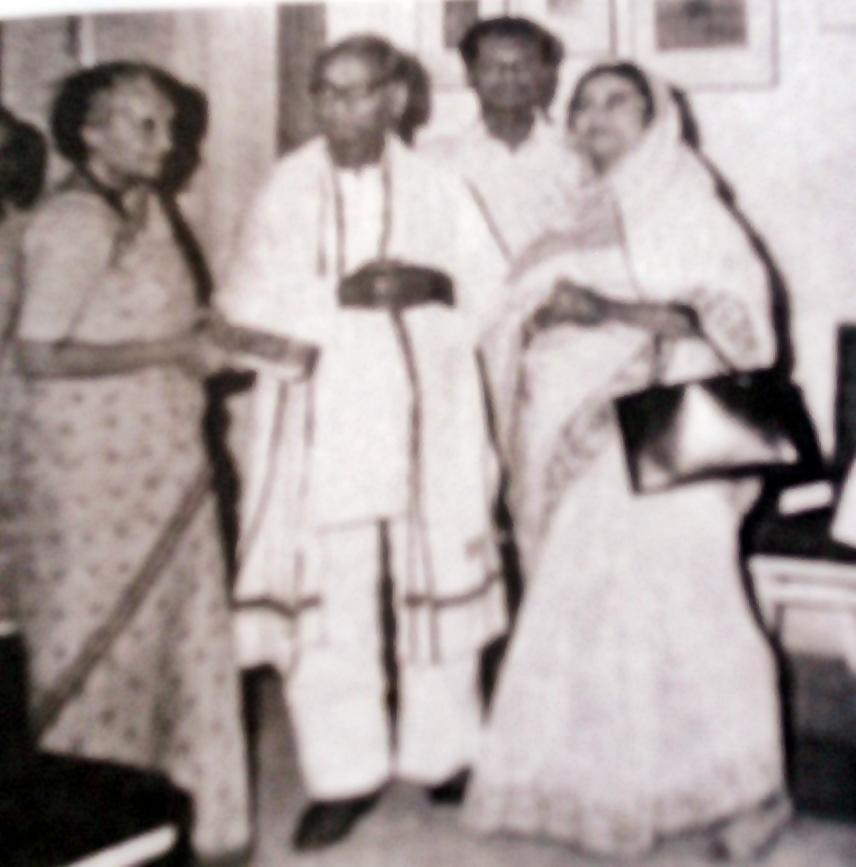 1975 - Jasim Uddin & his wife with Prime Minister Indira Gandhi at Delhi