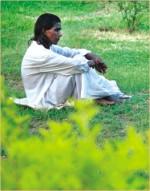 'Khachaar Bhetor Ochin Pakhi, Kamne Ashe Jae'…
