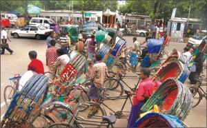 Rickshaws standing haphazardly