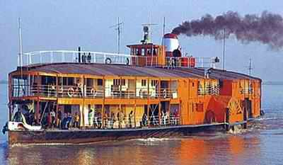 british steam boat in Padma